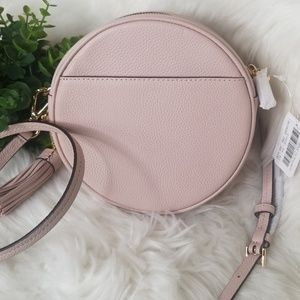 2475c9129b4b Michael Kors Bags - NWT MICHAEL KORS Leather ROUND Bag SOFT PINK